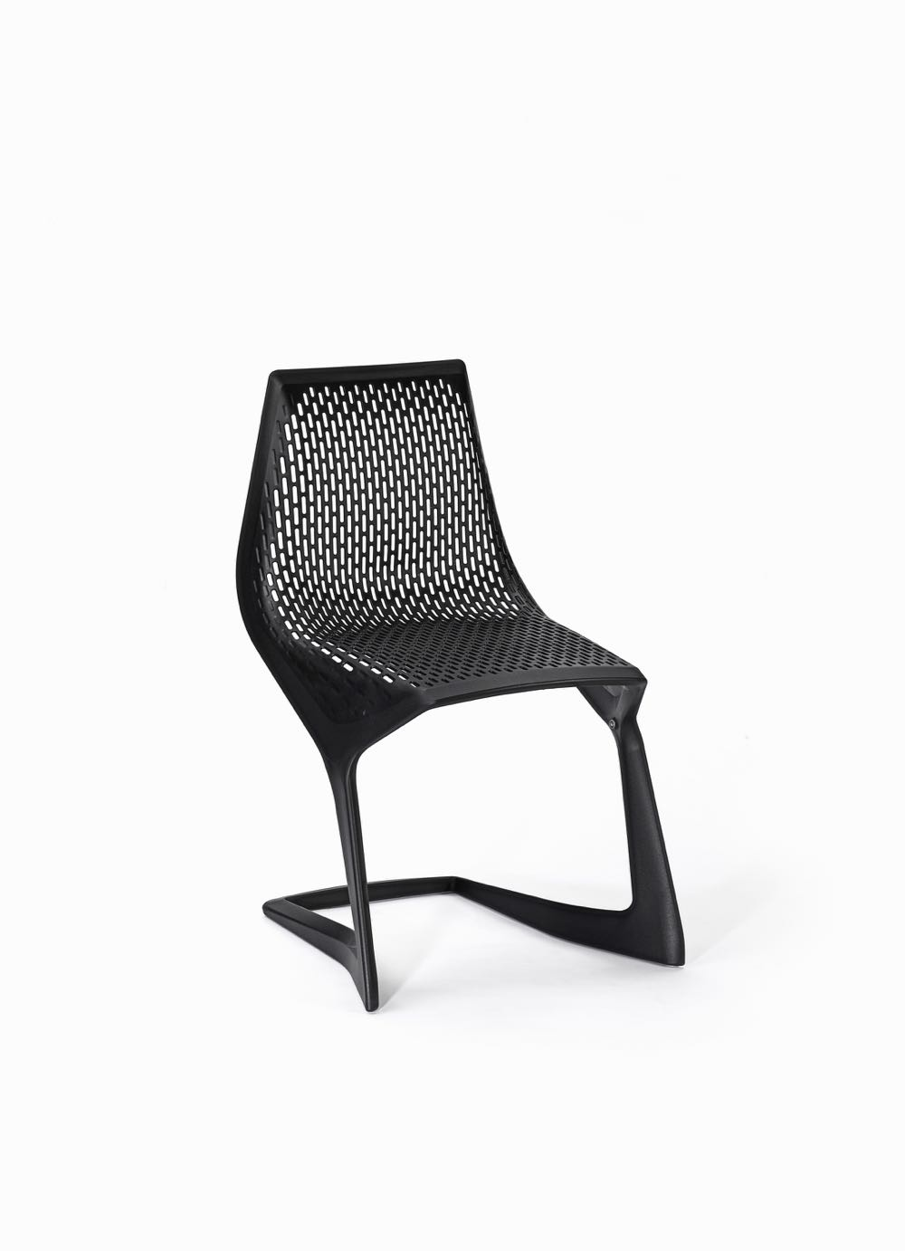 Konstantin Grcic 'Myto' chair designed in 2006, manufactured by Plank, Ora Italy. Thermoplastic polyester 82 x 55 x 45 cm
