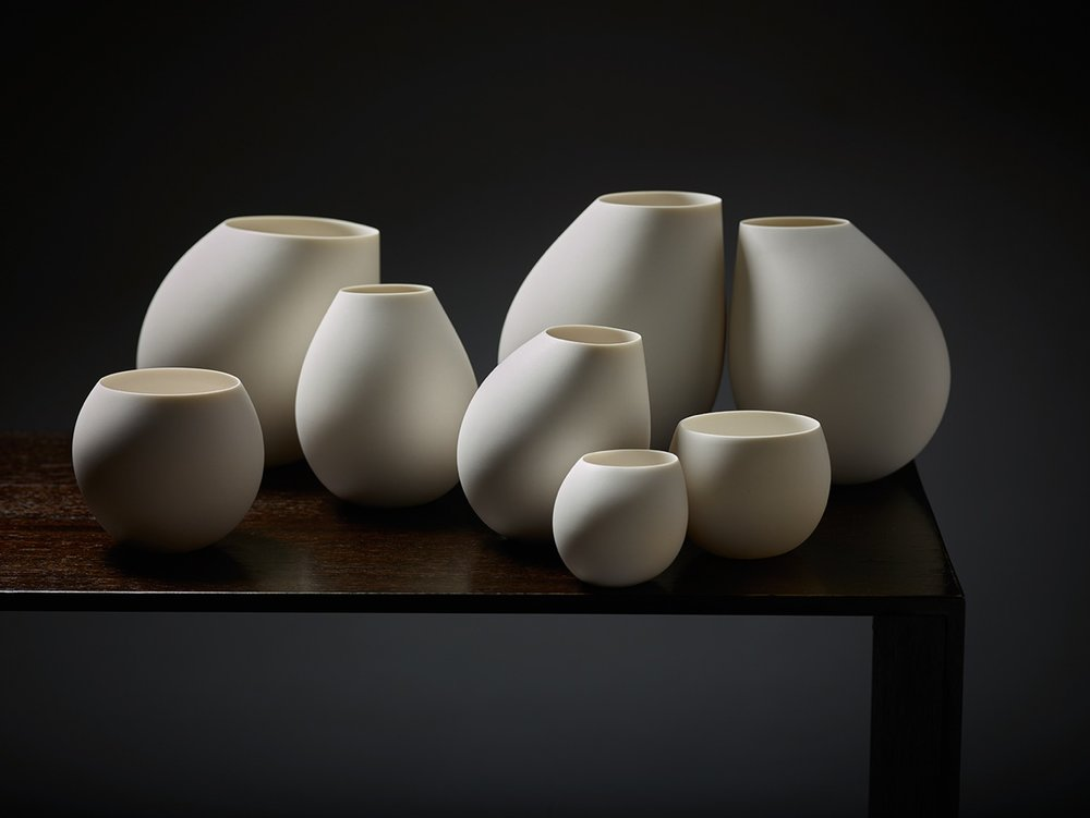 'Gathering Shadows' by Belinda Winkler 2015. A group of southern ice porcelain vase forms. Photograph Peter Whyte.