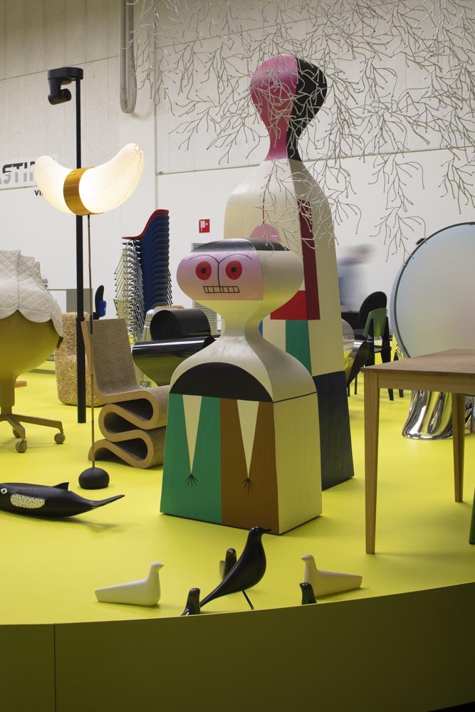 Life sized Alexander Girard dolls at Vitra's  Typecasting  installation La Pelota, Milan.