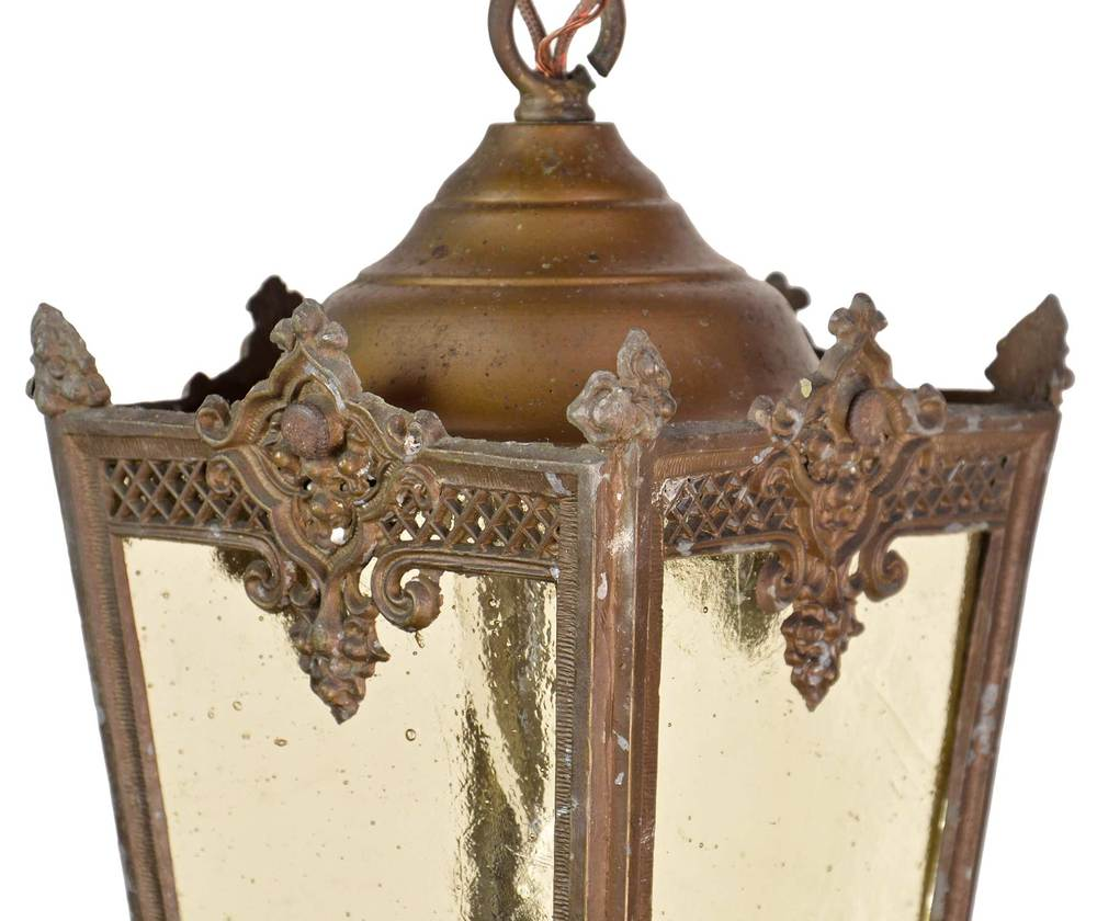 46144-B-Lantern-Pendents-with-Filigree-Top-of-Light.jpg