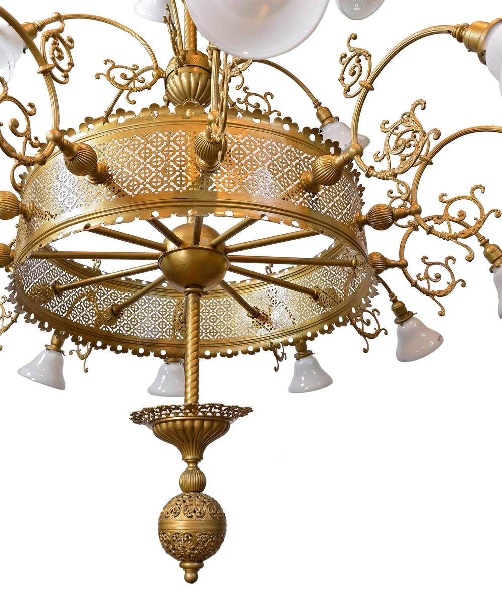 46128-oversized-20-light-3-tier-victorian-brass-chandelie-bottom.jpg