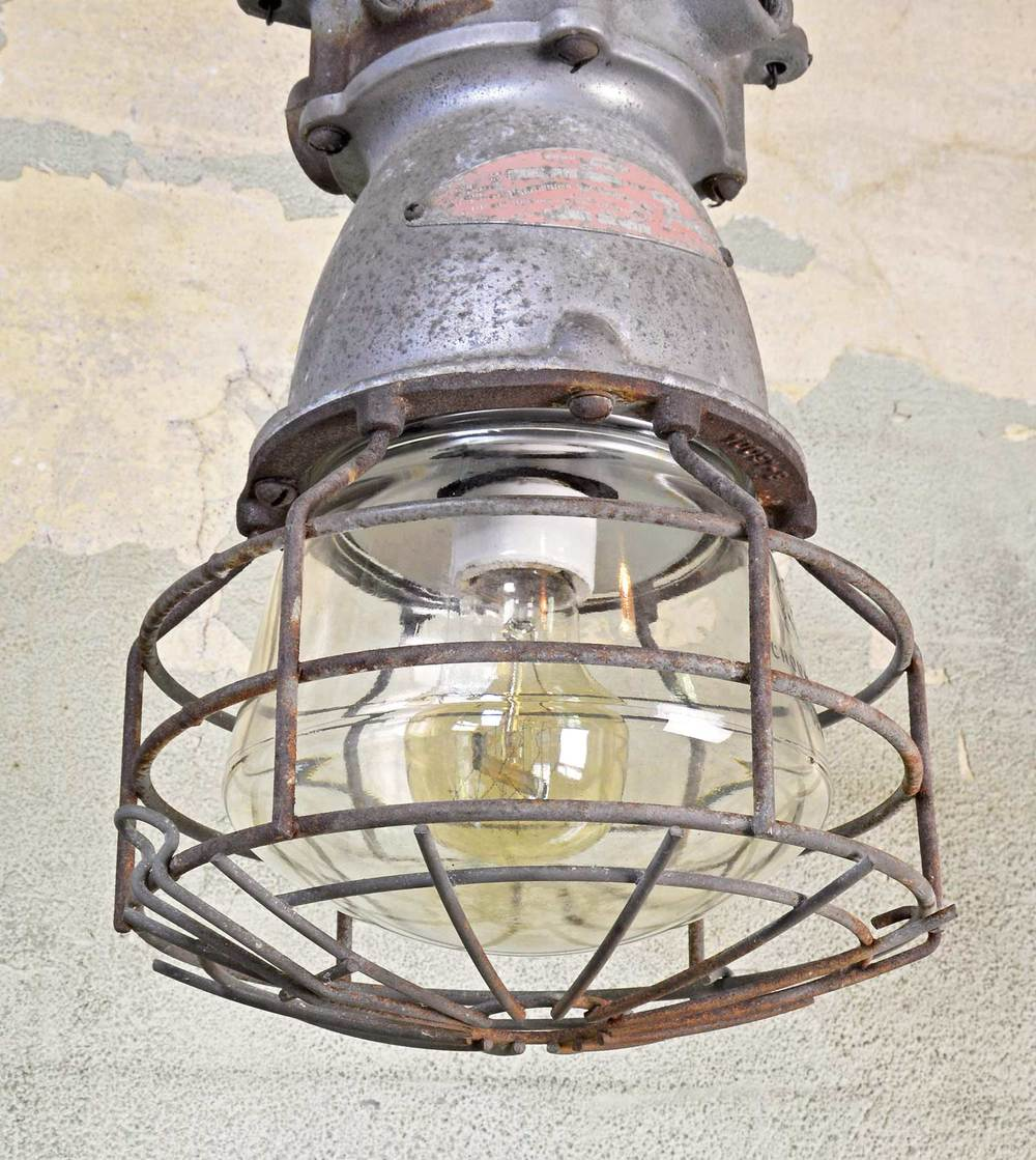 46279-galvanized-industrial-cage-pendant-angle2.jpg