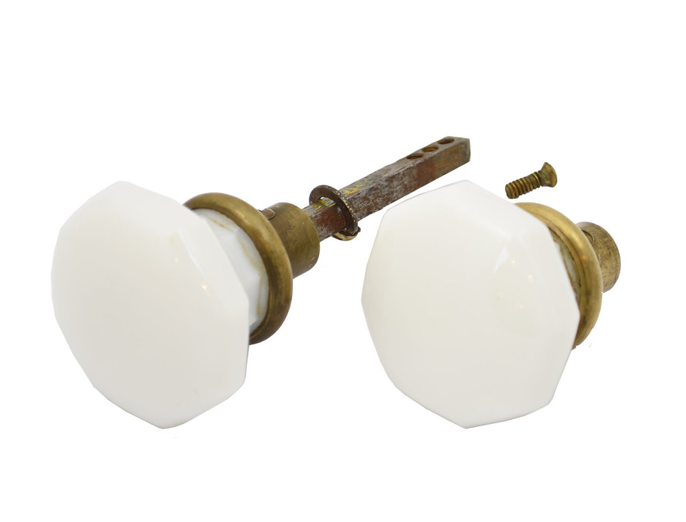 H20030-milkglass-and-brass-knob-set-PIECES.jpg