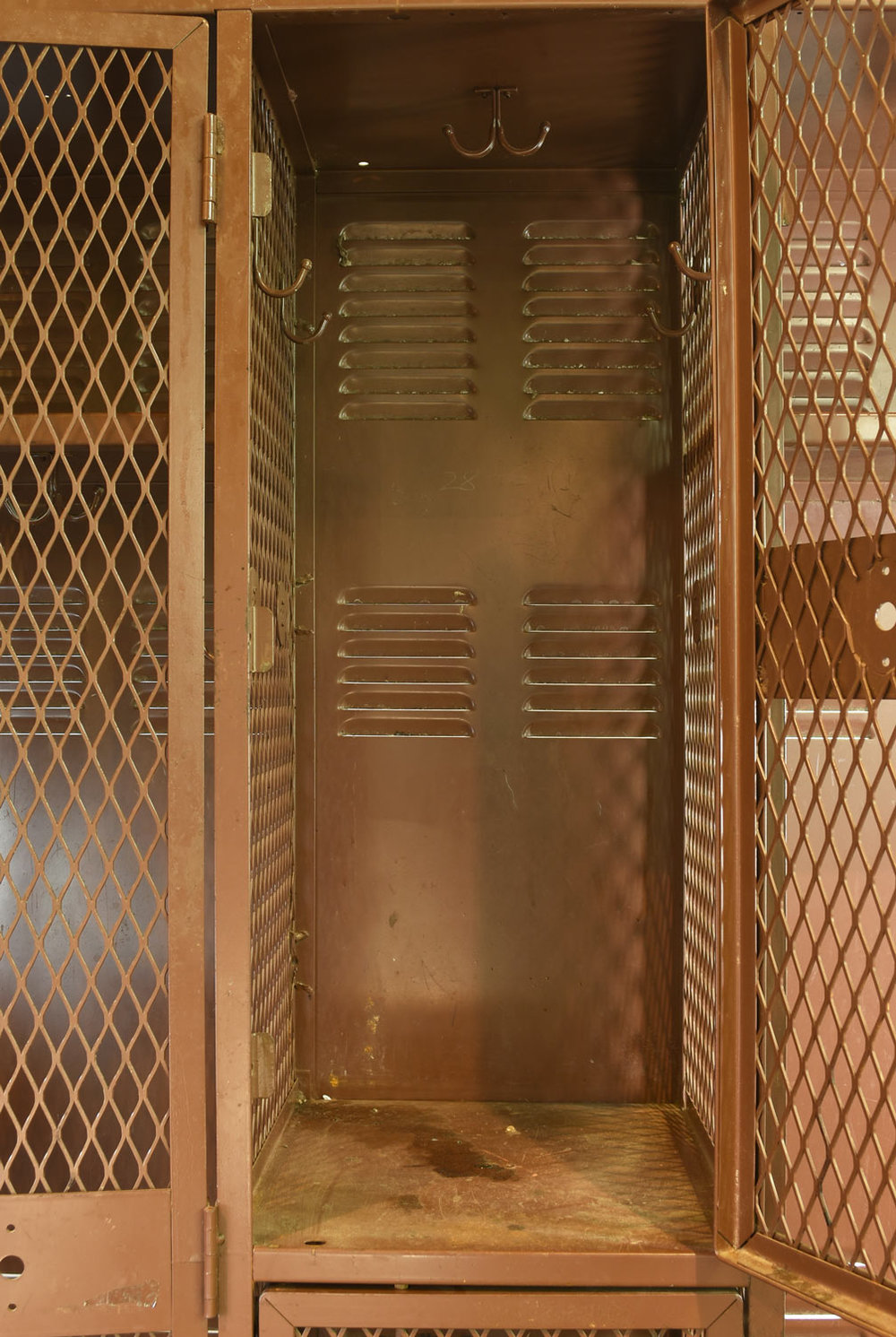 46640-Locker-Unit-MORE-DETAIL.jpg