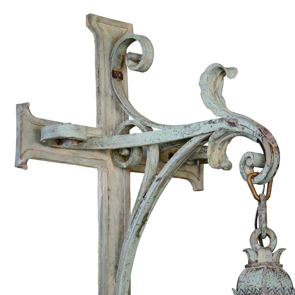 46677-large-cast-bronze-exterior-lantern-bracket-detail.jpg