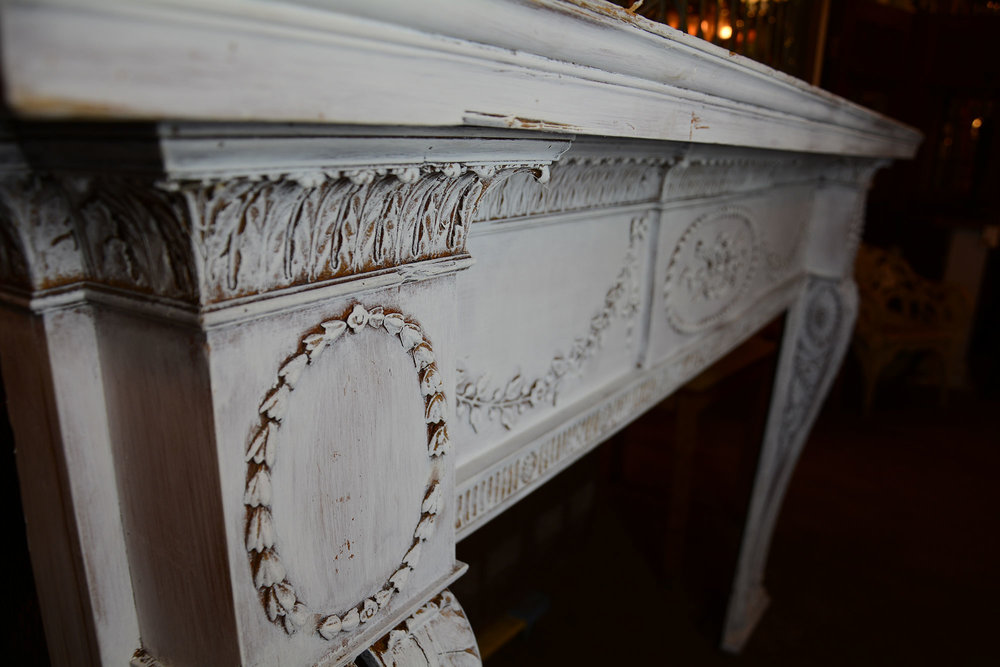 46882-white-mantle-detail.jpg