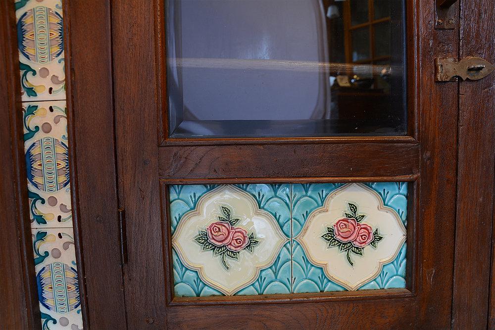 46903-TileBuffet_DoorDetail.jpg