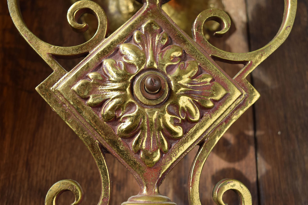46925-3-candle-brass-sconce-center.jpg