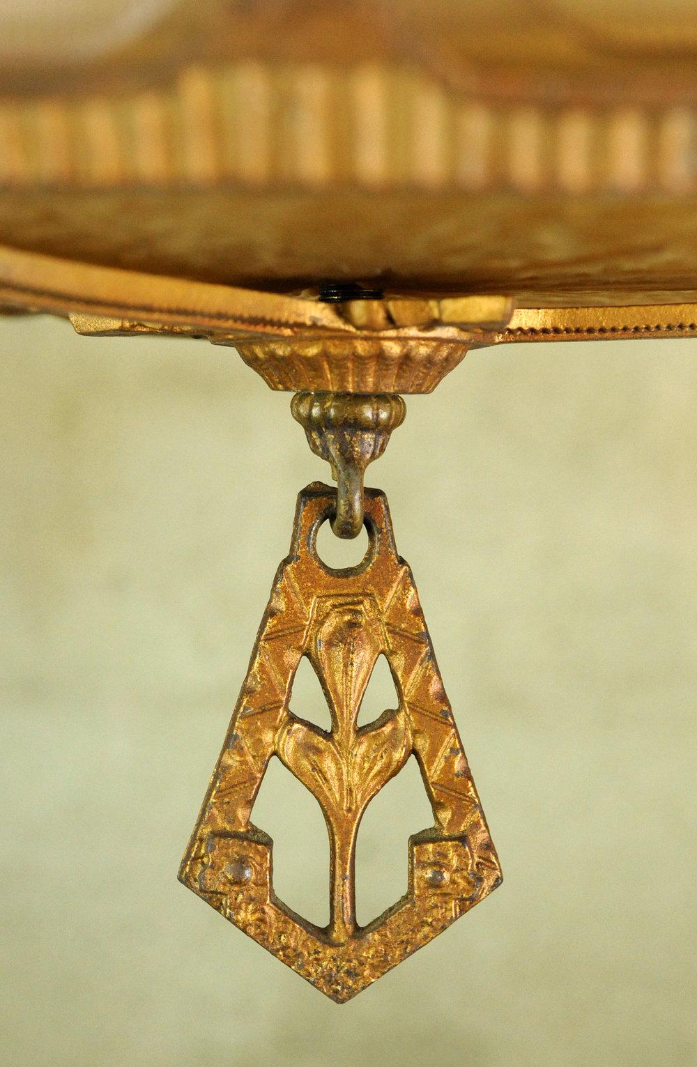 46961-art-deco-chandelier-close-up.jpg