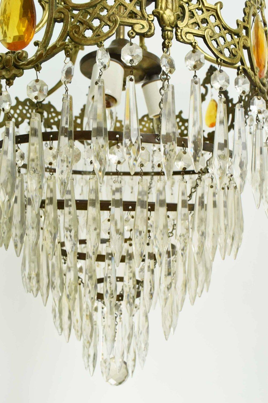 46932-wedding-cake-chandelier-crystal-detail.jpg