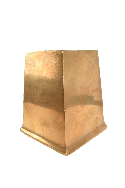 H20112-bronze-sqaure-feet-angle.jpg