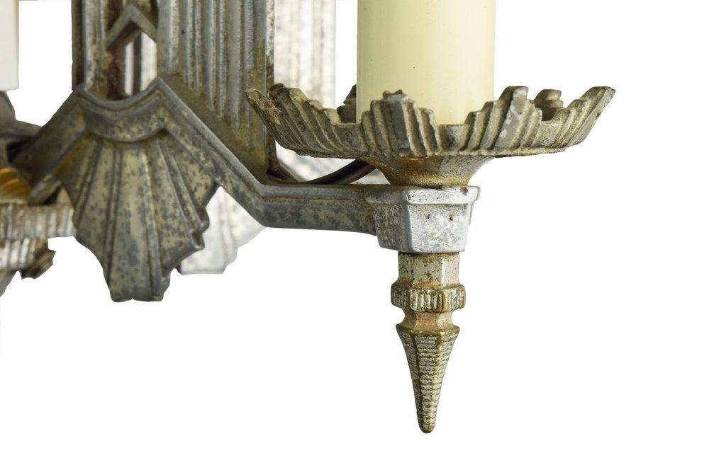 44352-cast-alum-deco-chand-bottom-ligtht-detail.jpg