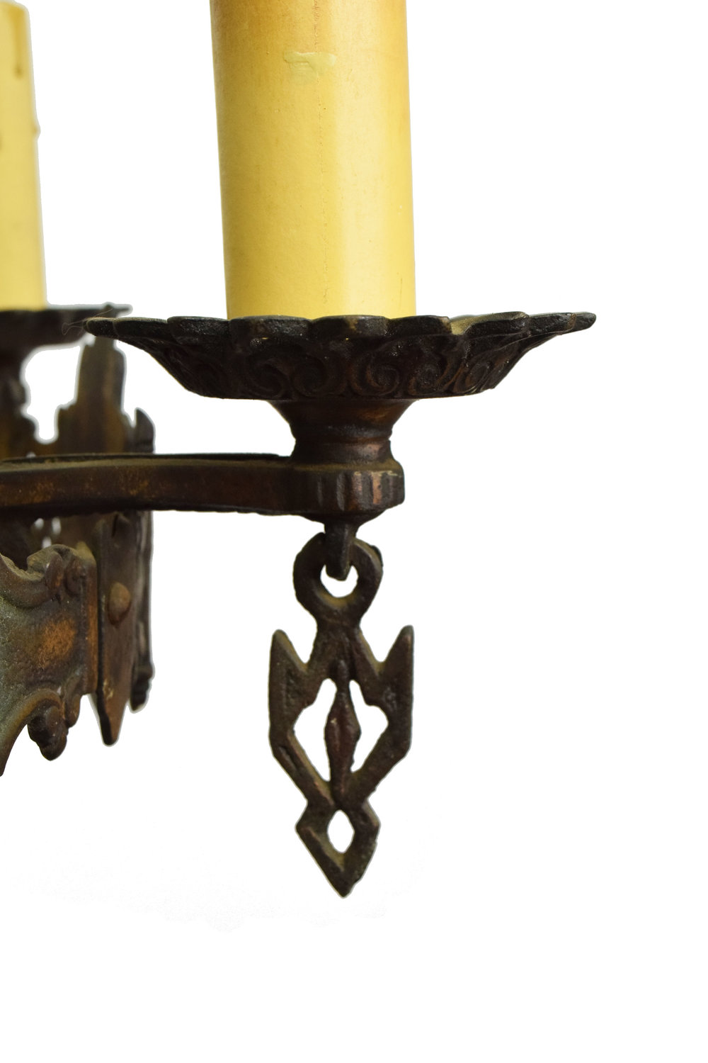 44303-5-candle-tudor-chandelier-light-detail.jpg