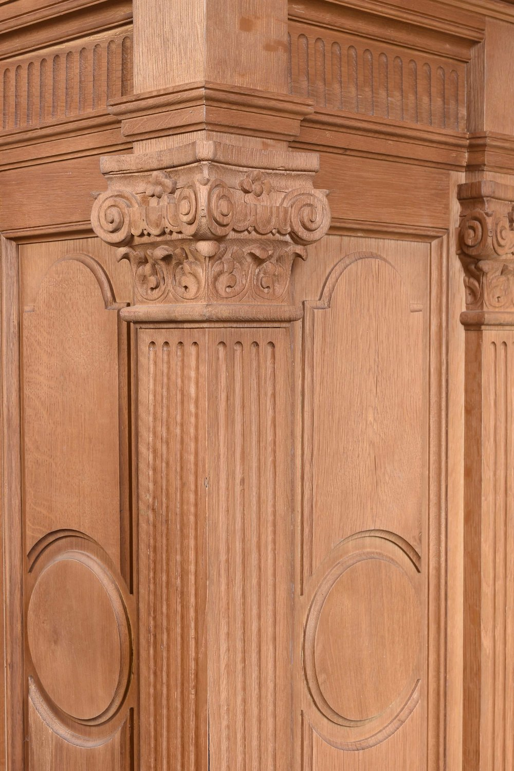 46991 quartersawn pedestal capital.jpg