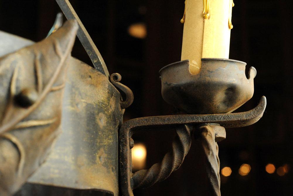 47109-cast-iron-leaf-chandelier-detail.jpg
