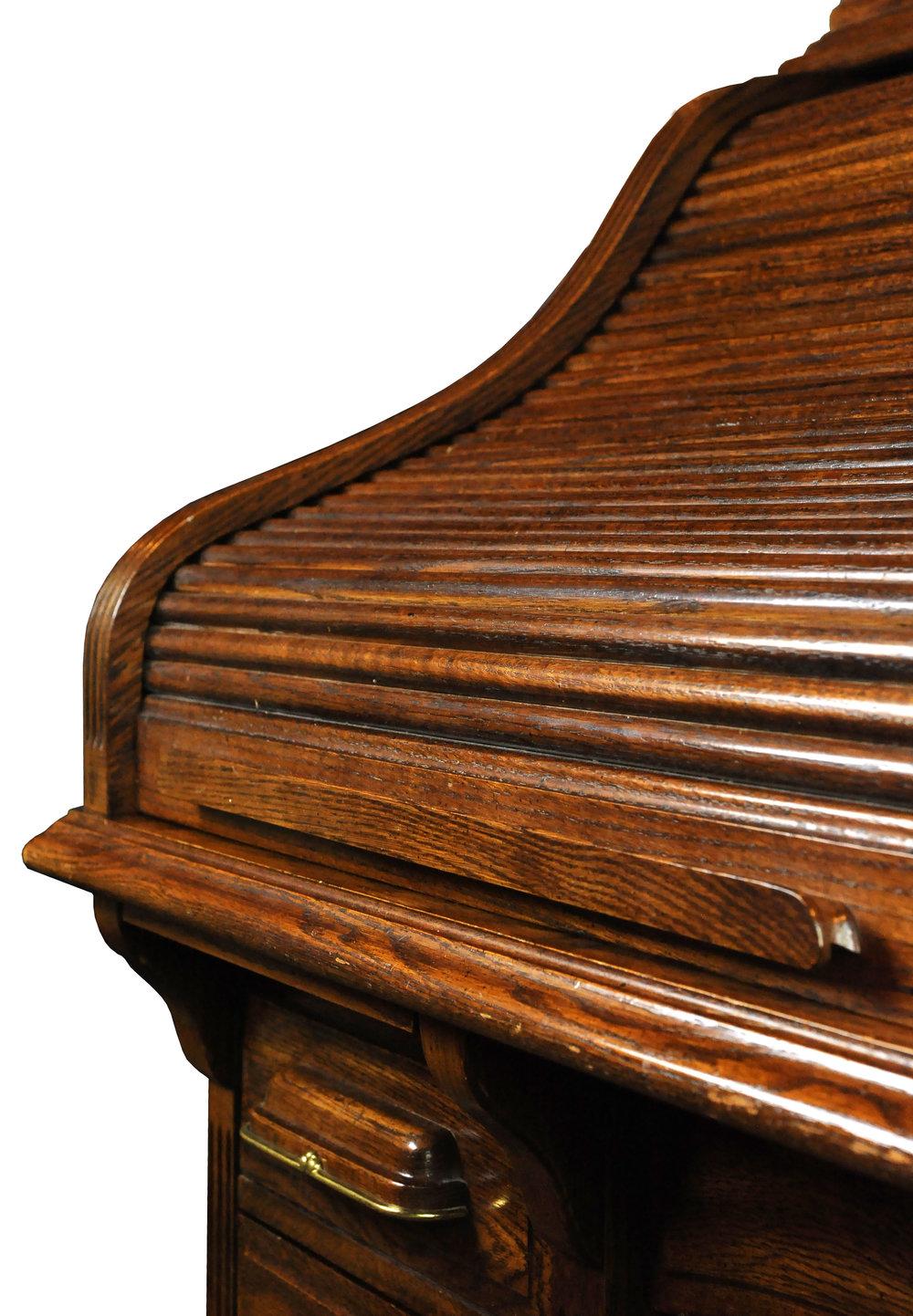 47117-rolltop-desk-wood-cover-detail.jpg