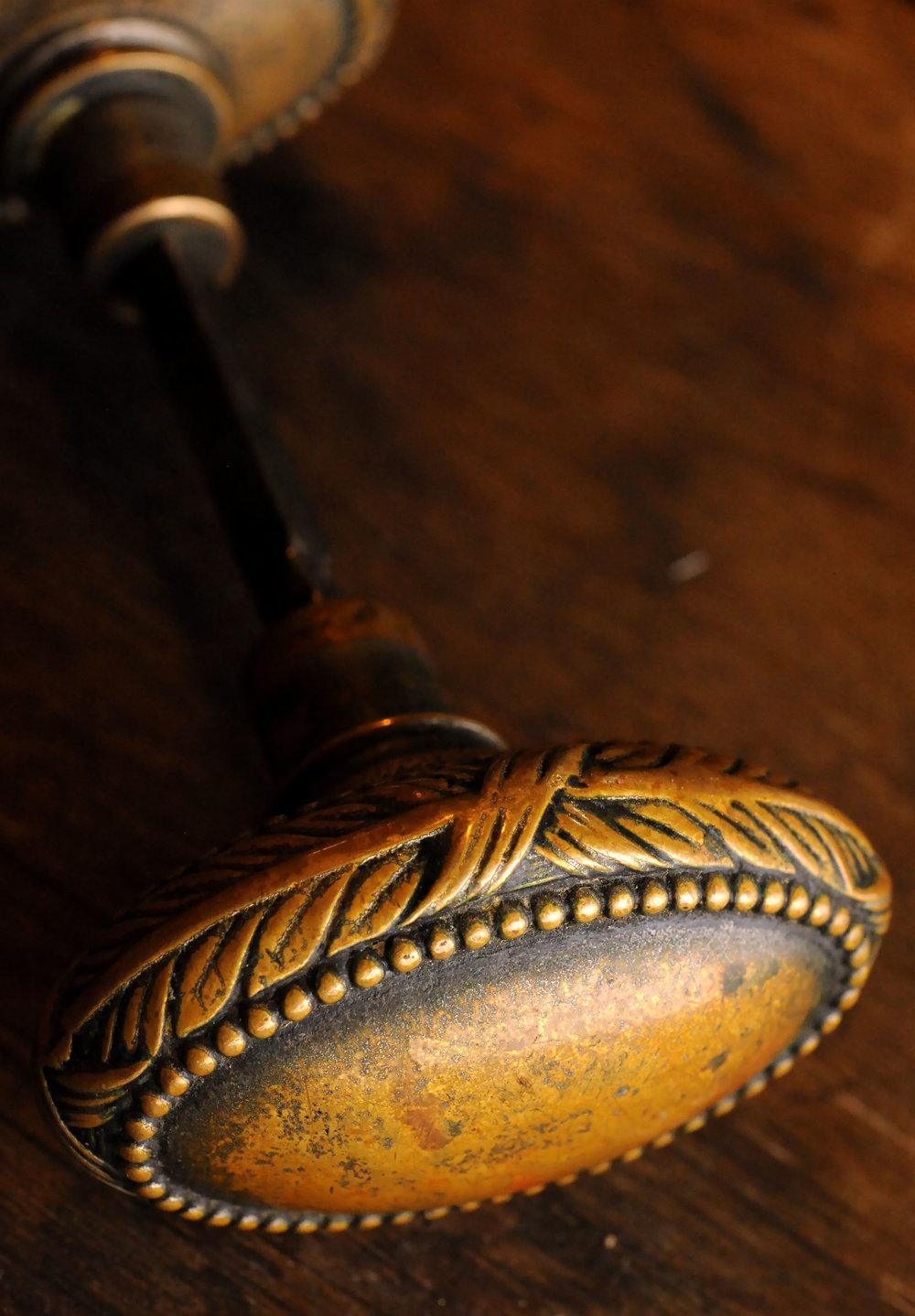 H20125-cast-bronze-knob.jpg