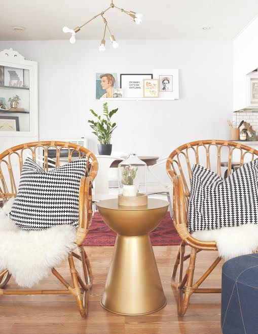 CURATING ANTIQUES FOR A MODERN SPACE -