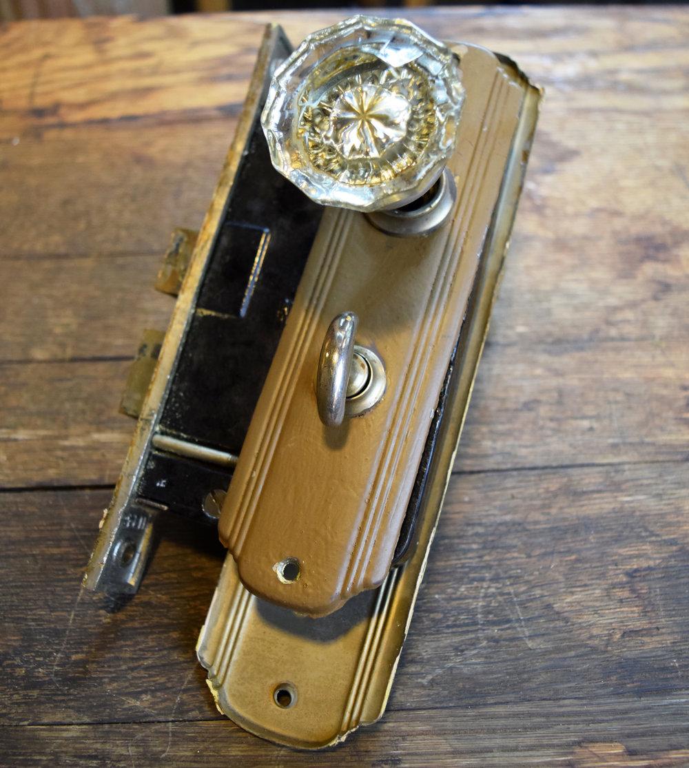 H20135-glass-knobs-streamline-plates-privacy.JPG