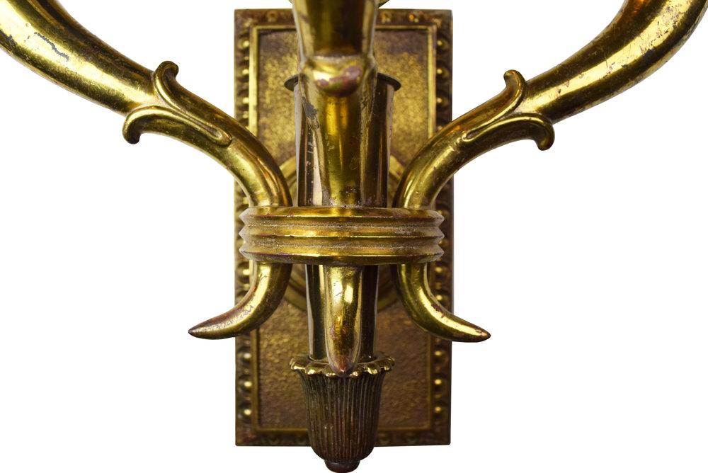 47172-brass-3-arm-ED-sconce-detail-bottom.jpg