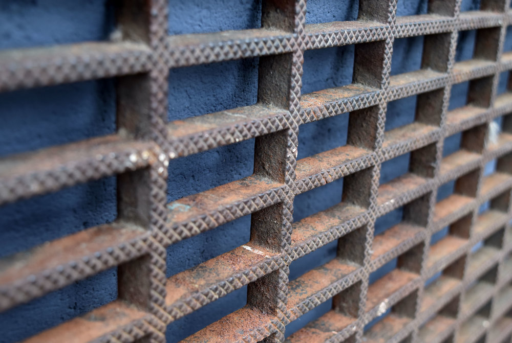 47231-large-iron-floor-grate-close-up.jpg