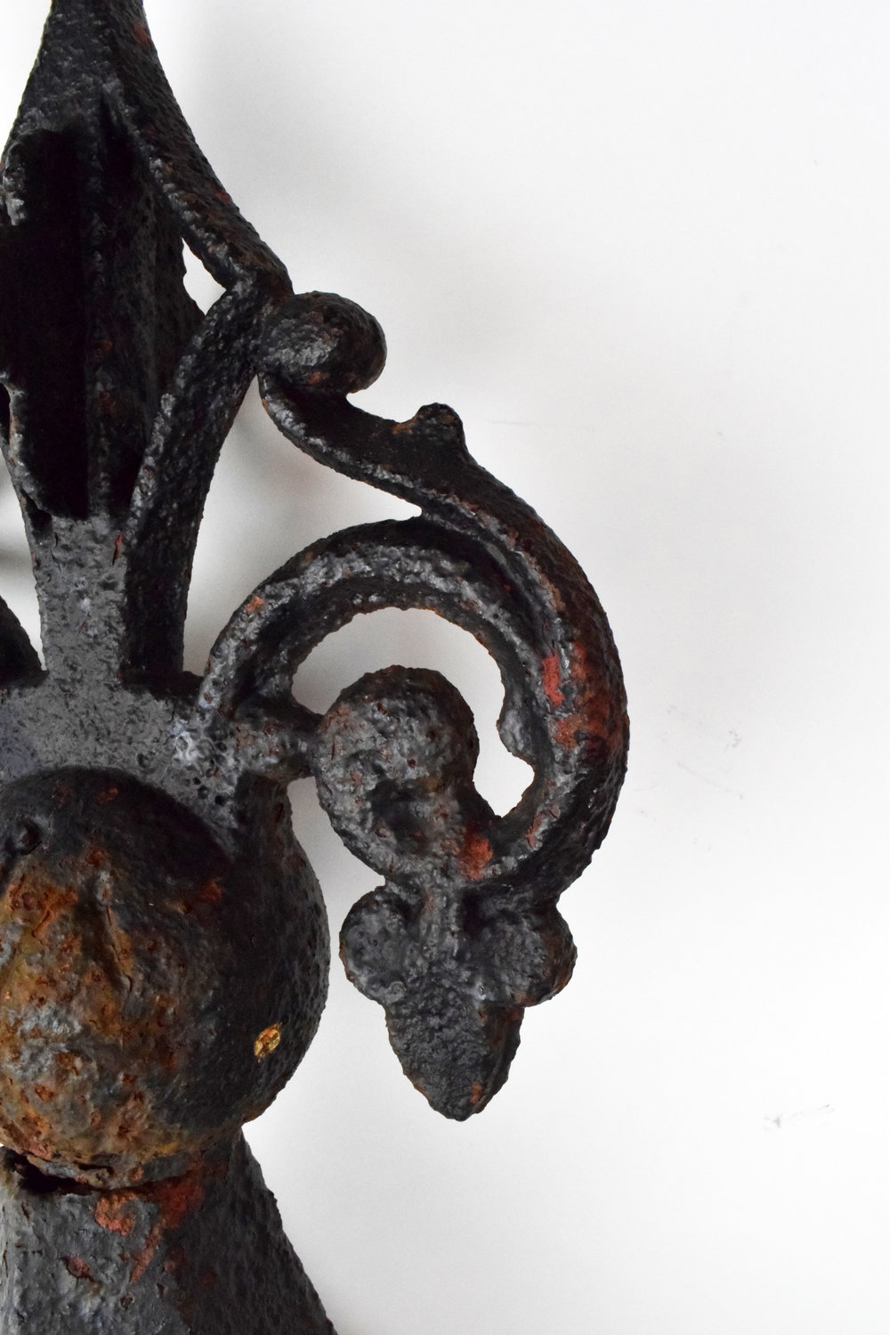 47248-exterior-iron-stanchion-post-detail.JPG