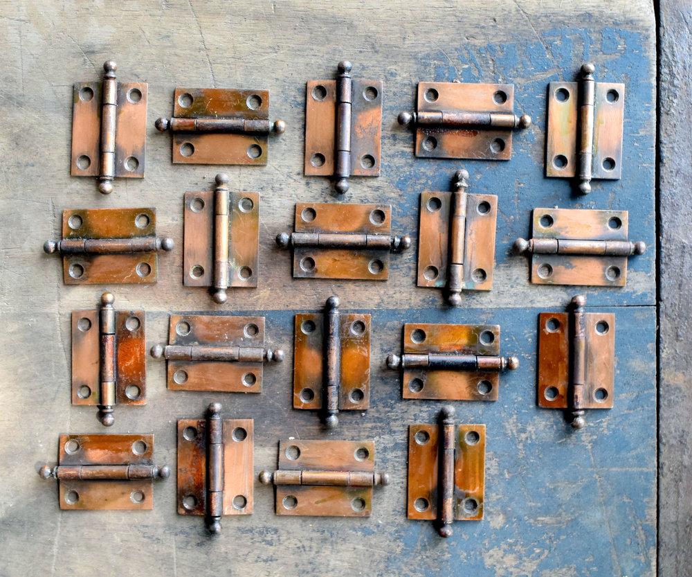 H20141-gilt-satin-cabinet-hinge-group.jpg