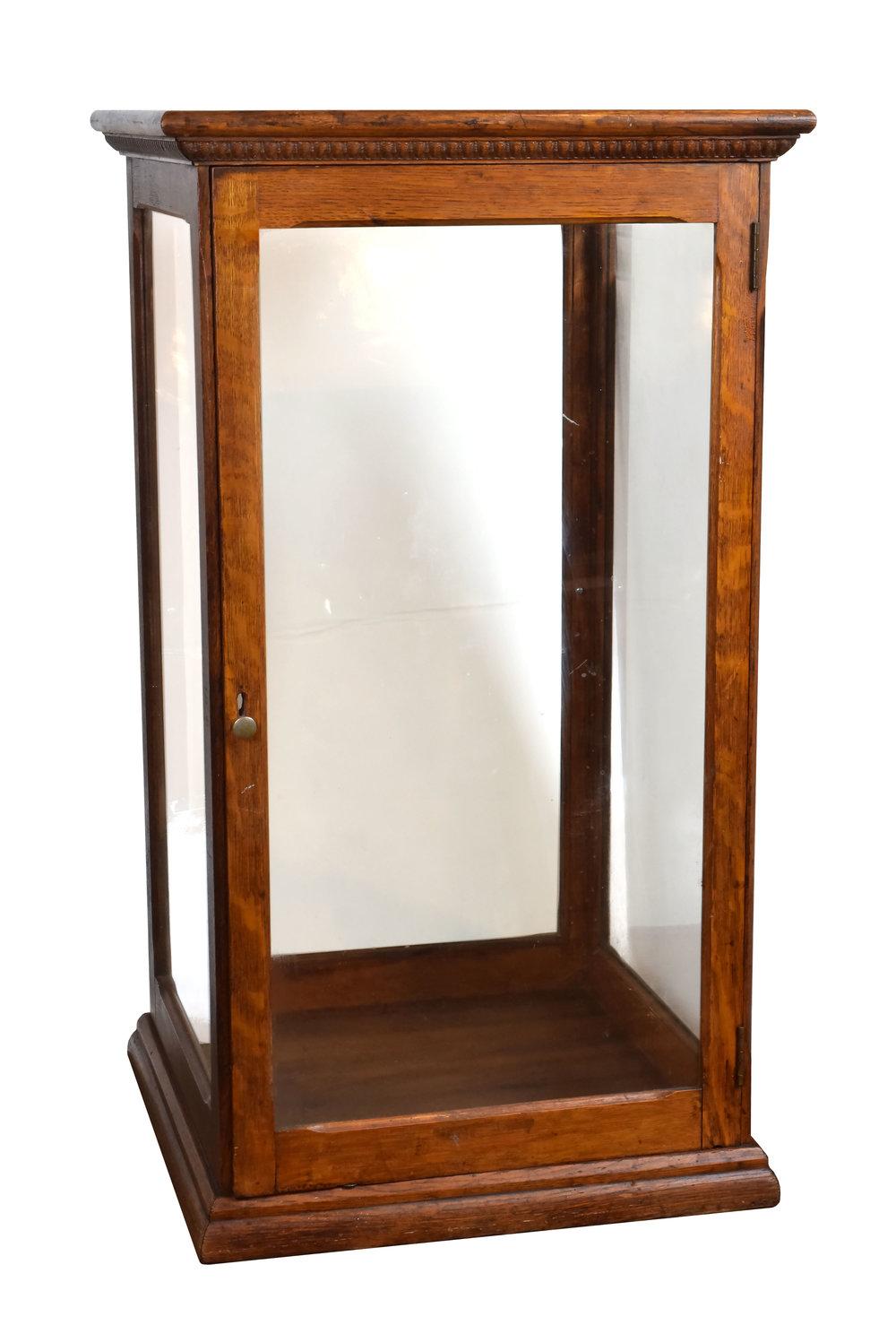 47260-quartersawn-oak-display-case-angle-view.jpg