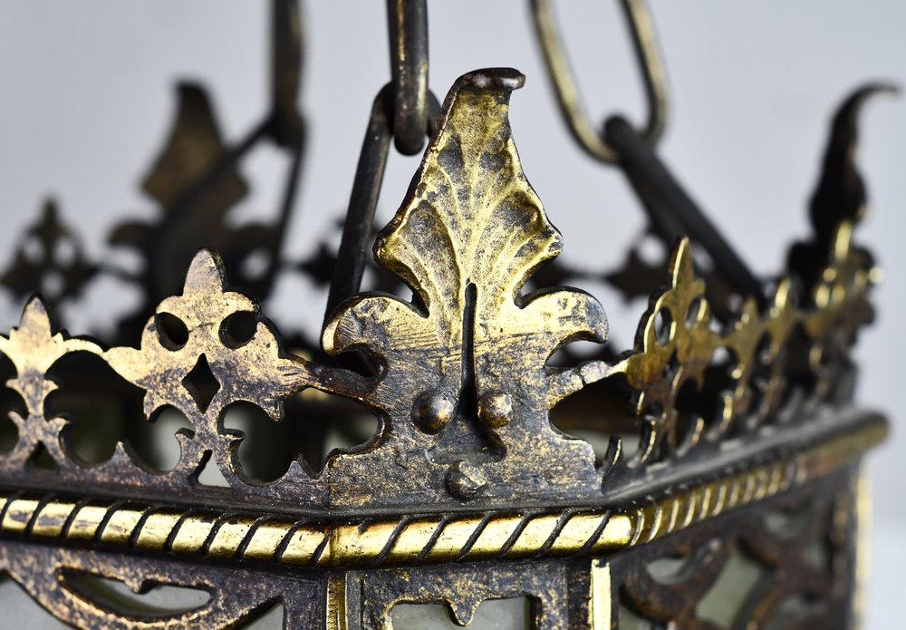 47316-oscar-bach-pendant-detail-leaf.JPG
