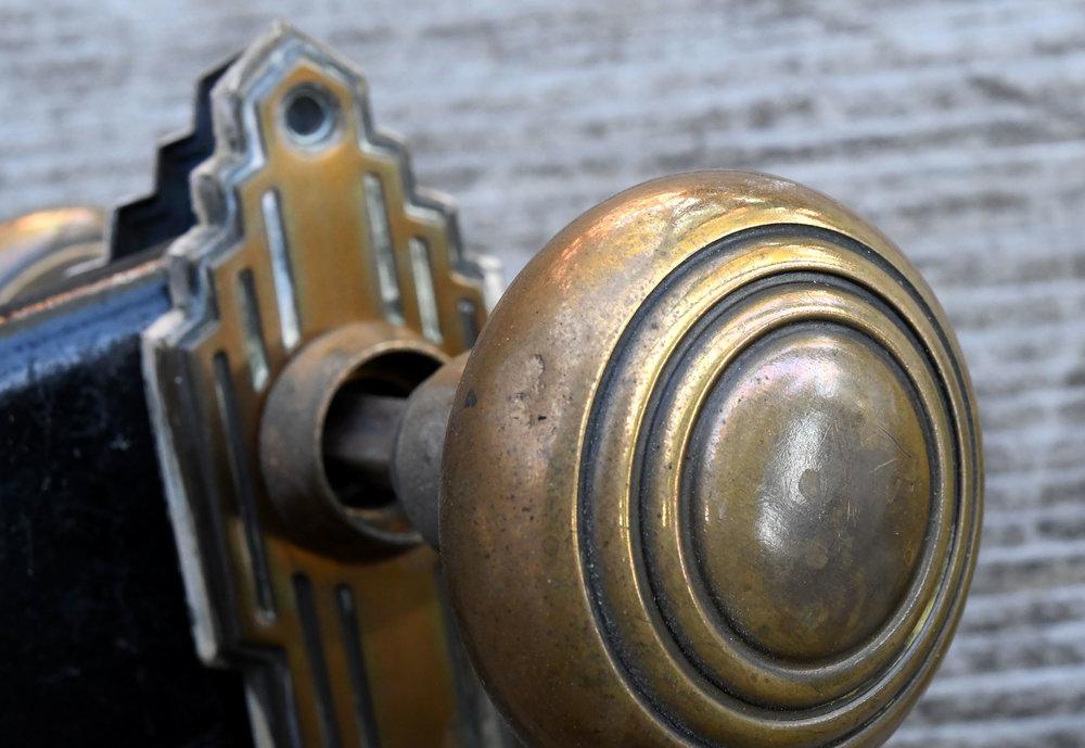 H20162-art-deco-knob-detail.jpg