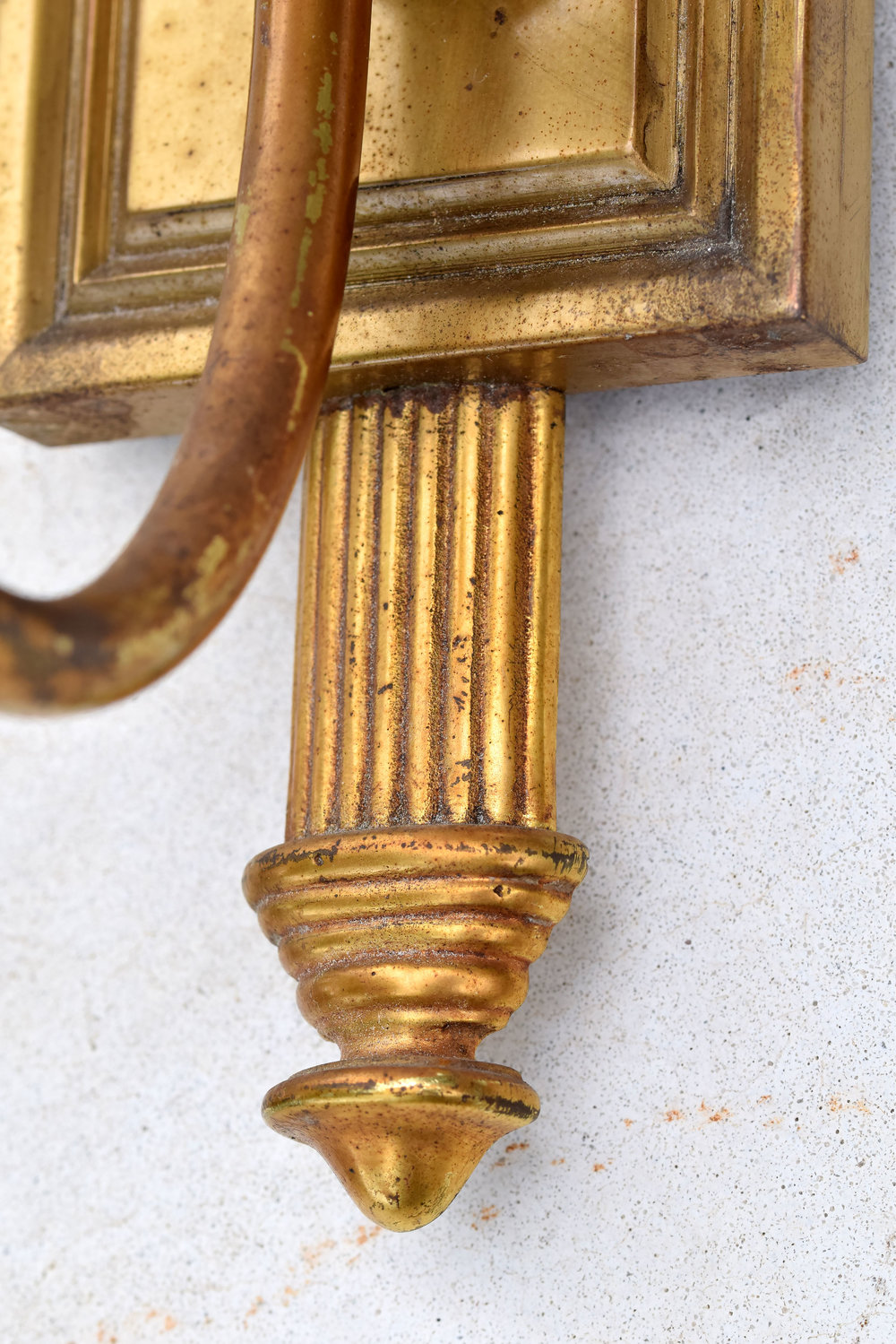 47482-single-arm-eagle-sconce-brass-detial.jpg