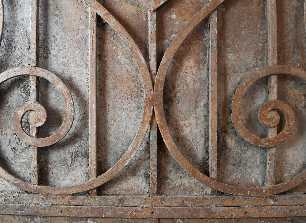 47498-Arched-iron-gate-detail-10.jpg