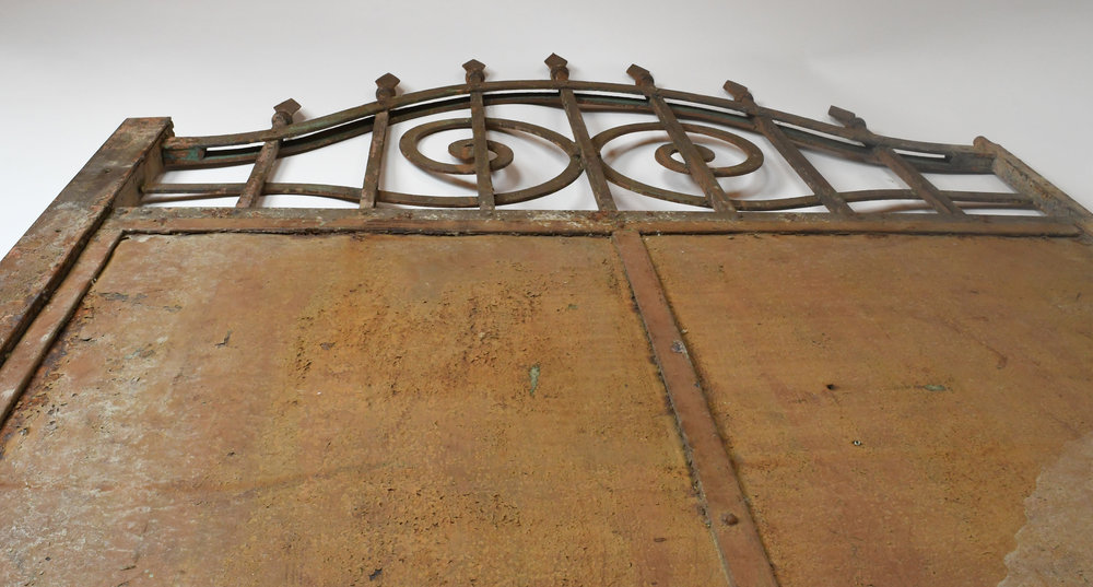 47498-Arched-iron-gate-detail-21.jpg