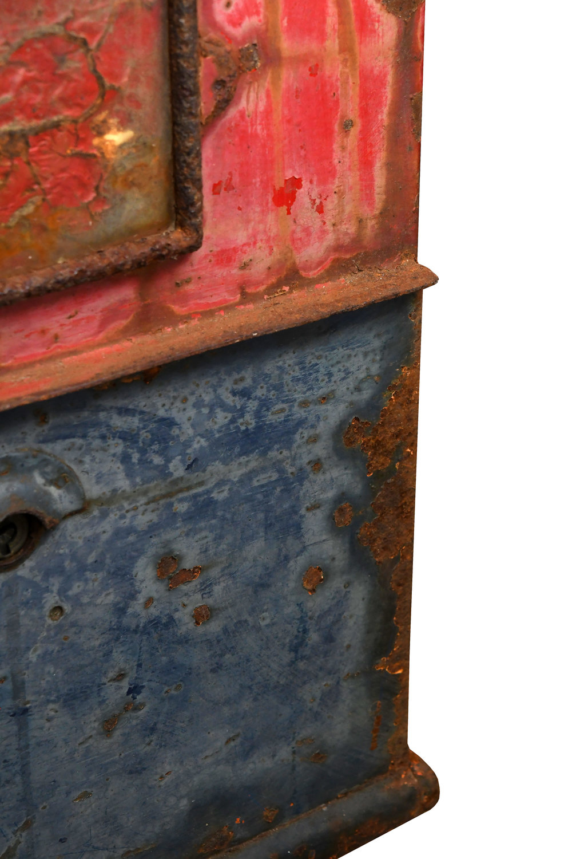 47478-iron-mailbox-corner-detail.jpg