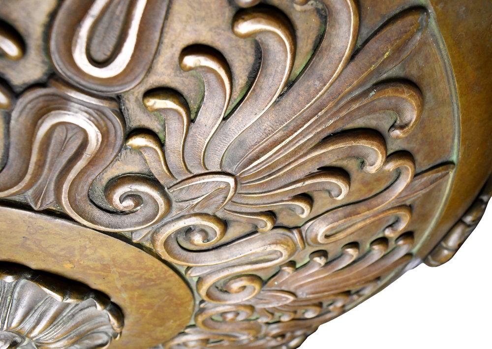 47590-cast-bronze-nine-light-chandelier-bottom-detail.jpg
