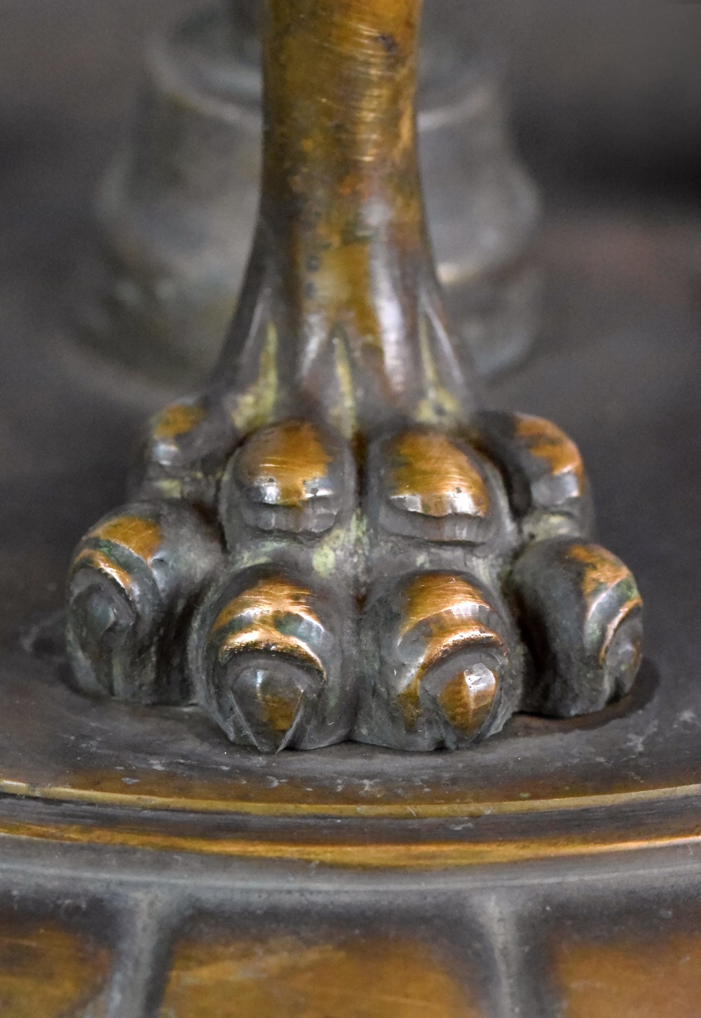 47590-cast-bronze-nine-light-chandelier-lion-paw.jpg