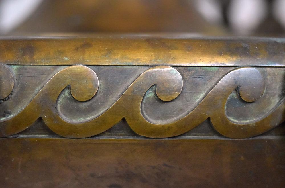 47590-cast-bronze-nine-light-chandelier-wave-detail.jpg