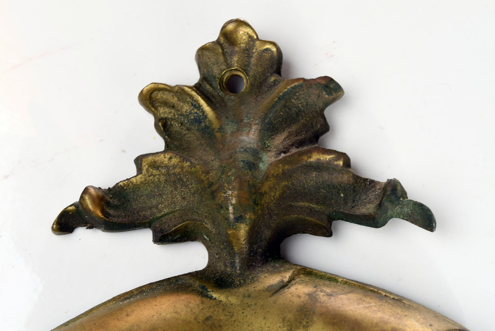 H20173-cast-brass-victorian-doorknocker-5.jpg