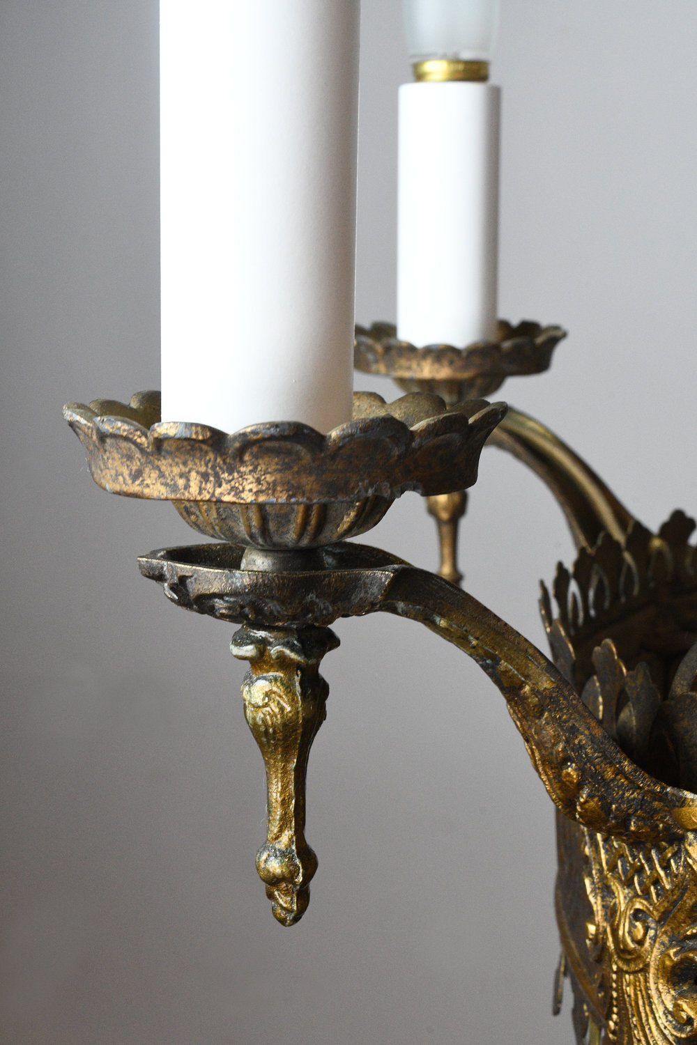 47529-6-candle-tudor-brass-chand-with-bent-glass-detail-19.jpg
