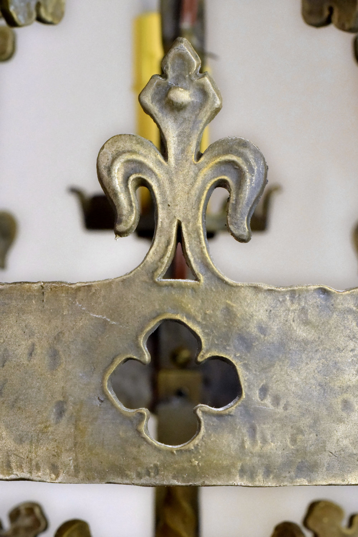 47616-bronze-tudor-5-candle-chandelier-quatrefoil.jpg