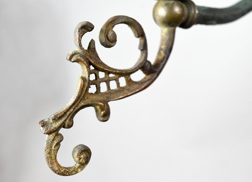 47501-gilt-satin-gas-converted-chandelier-detail-18.jpg