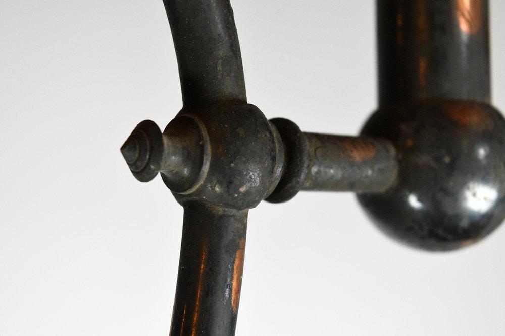47501-gilt-satin-gas-converted-chandelier-detail-20.jpg