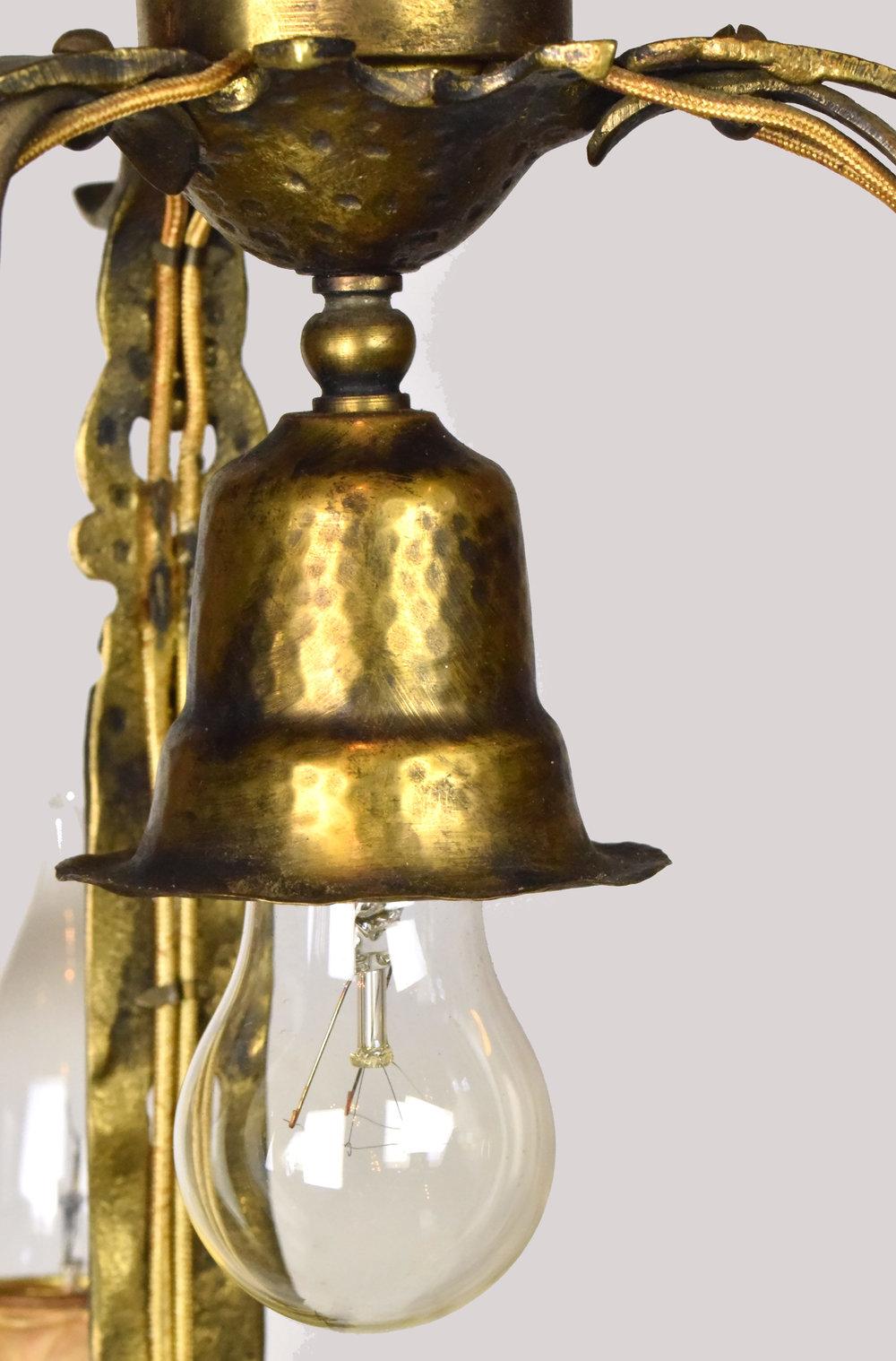 47443-tudor-three-candle-pendant-bulb.jpg