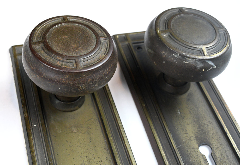H20180-iron-knob-set-detail.jpg