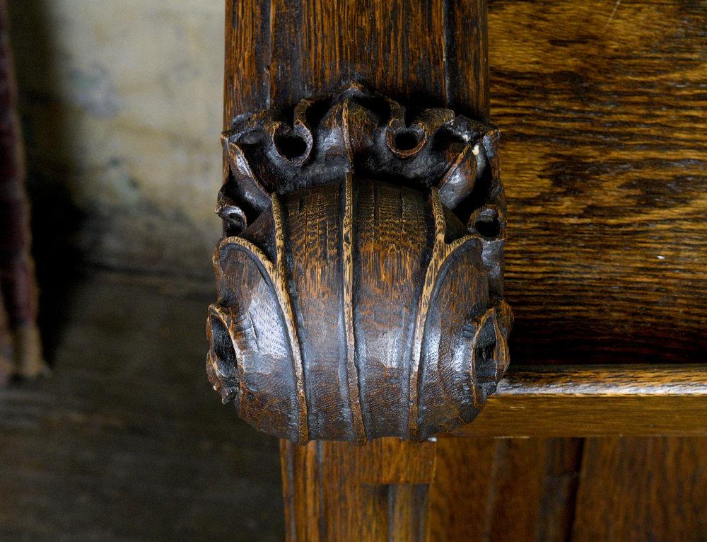 47682-oak-kneeler-close-up-1.jpg