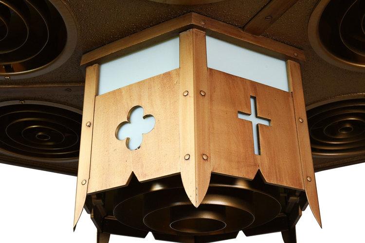 43081-Church-Light-close-3.jpg