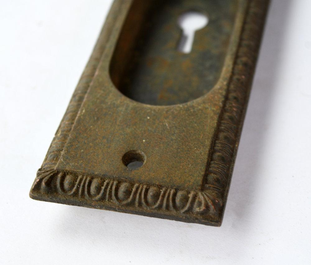 H20186-egg-and-dart-pocket-door-handle-5.jpg