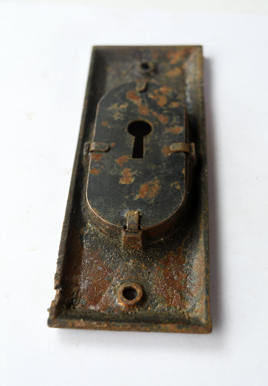 H20186-egg-and-dart-pocket-door-handle-7.jpg