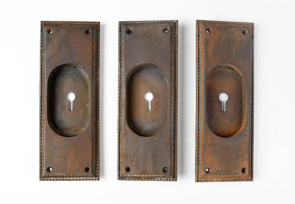 H20185-egg-and-dart-pocket-door-handle-large-2.jpg