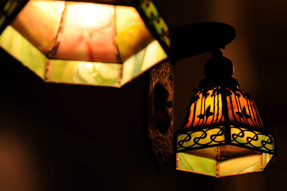 46576-handel-sconce-blurred-background.jpg